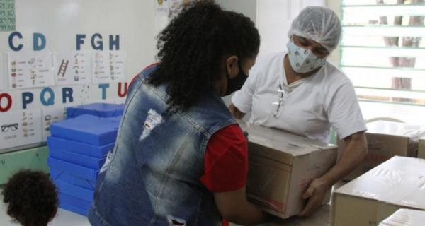 Quarta remessa de kits de alimentação escolar começa a chegar às unidades da rede municipal nesta segunda (16/08)