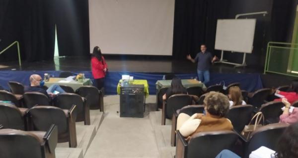 Construção de currículo municipal é tema de debate entre profissionais da Educação em Hortolândia